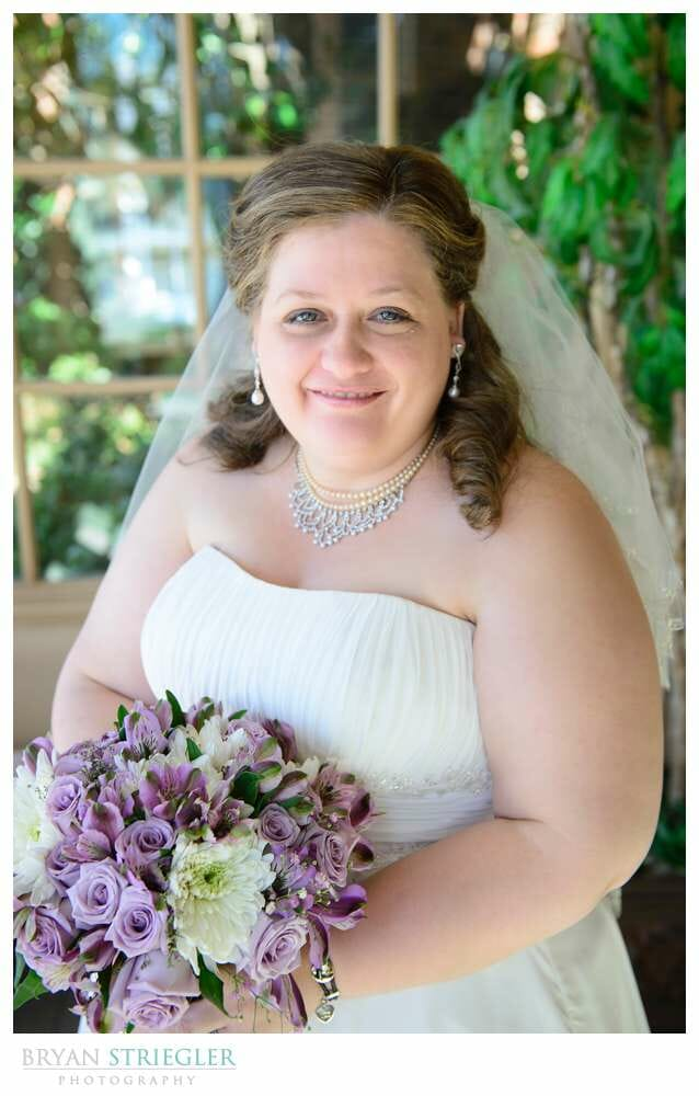 Linda and Chuck's Springdale Country Club Wedding bride with flowers