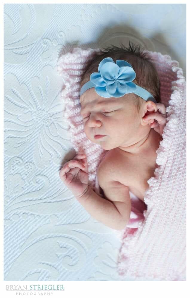 Fayetteville Newborn Photo in pink blanket