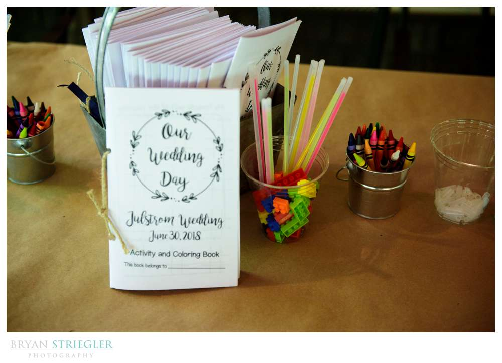 kids table at wedding reception