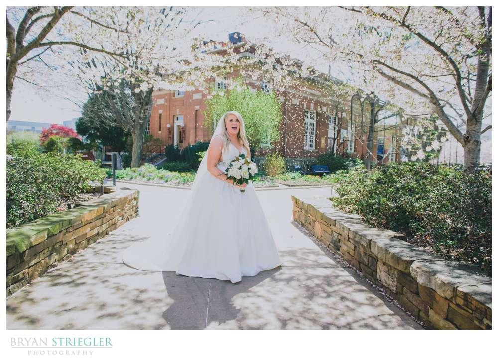 bride on Fayetteville Square