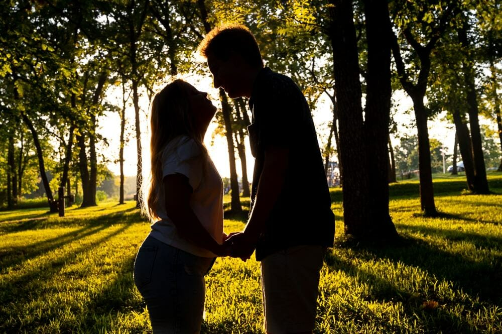 silhouette engagement photo at shawnee mission park